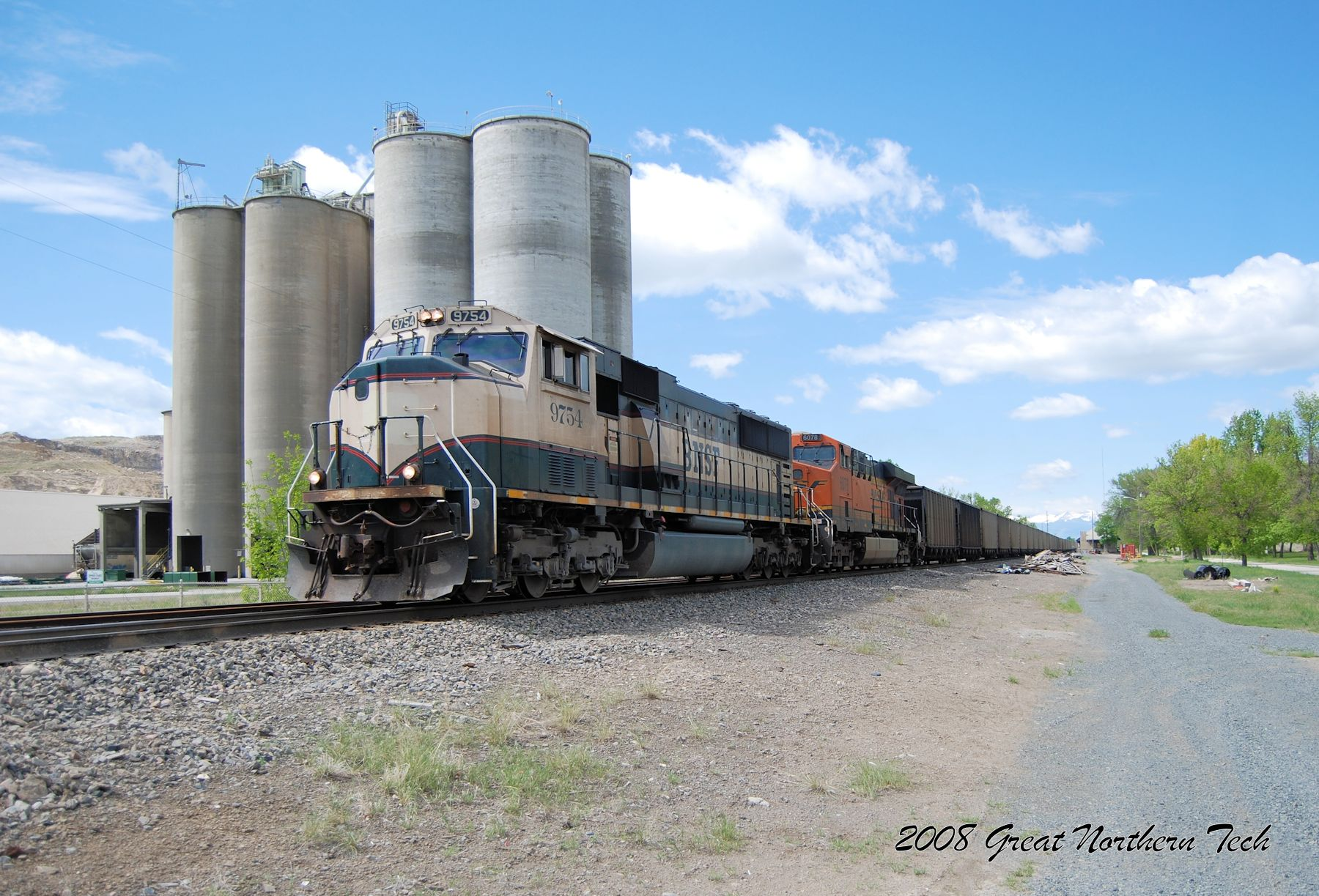 BNSF #9754 at Trident, Montana